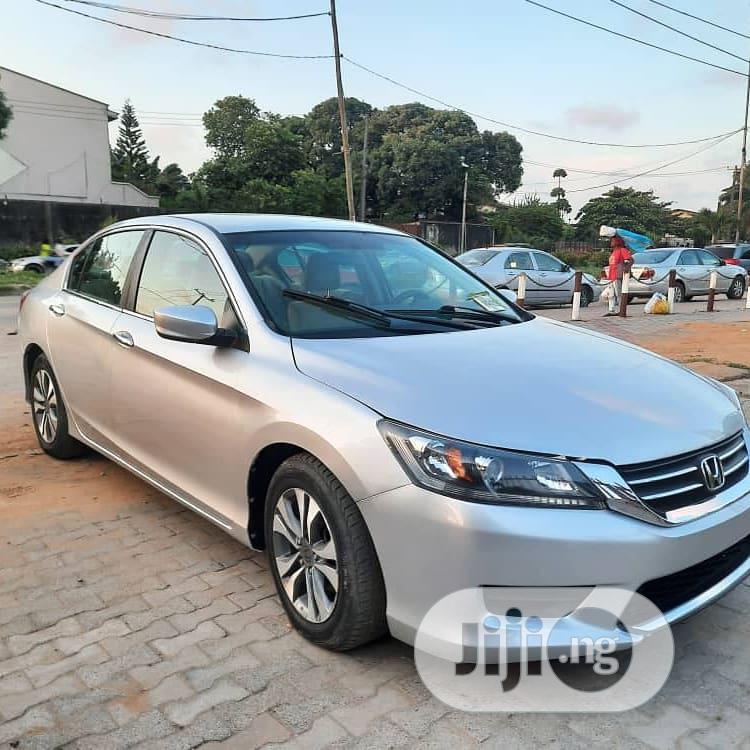 Archive: Honda Accord 2013 Silver