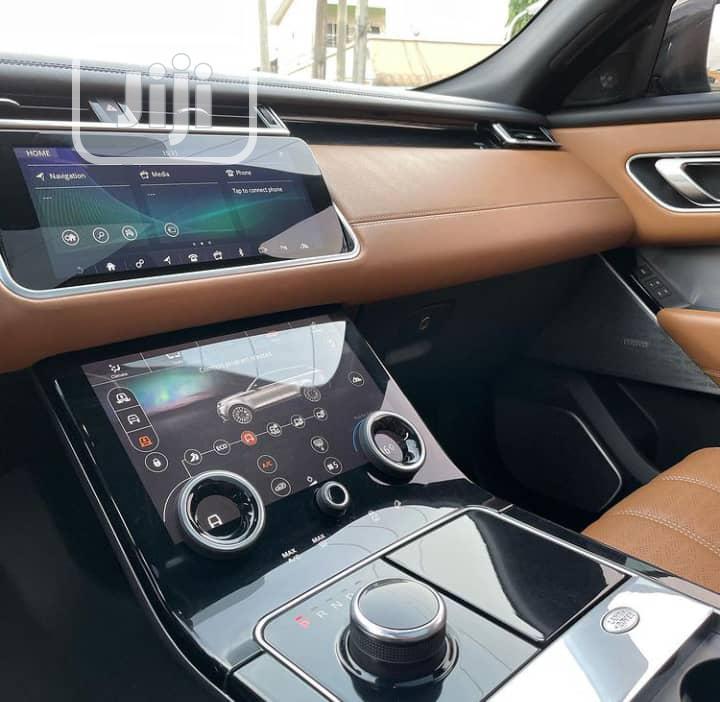 Archive: New Land Rover Range Rover Velar 2018 D180 HSE R-Dynamic 4x4 Gray