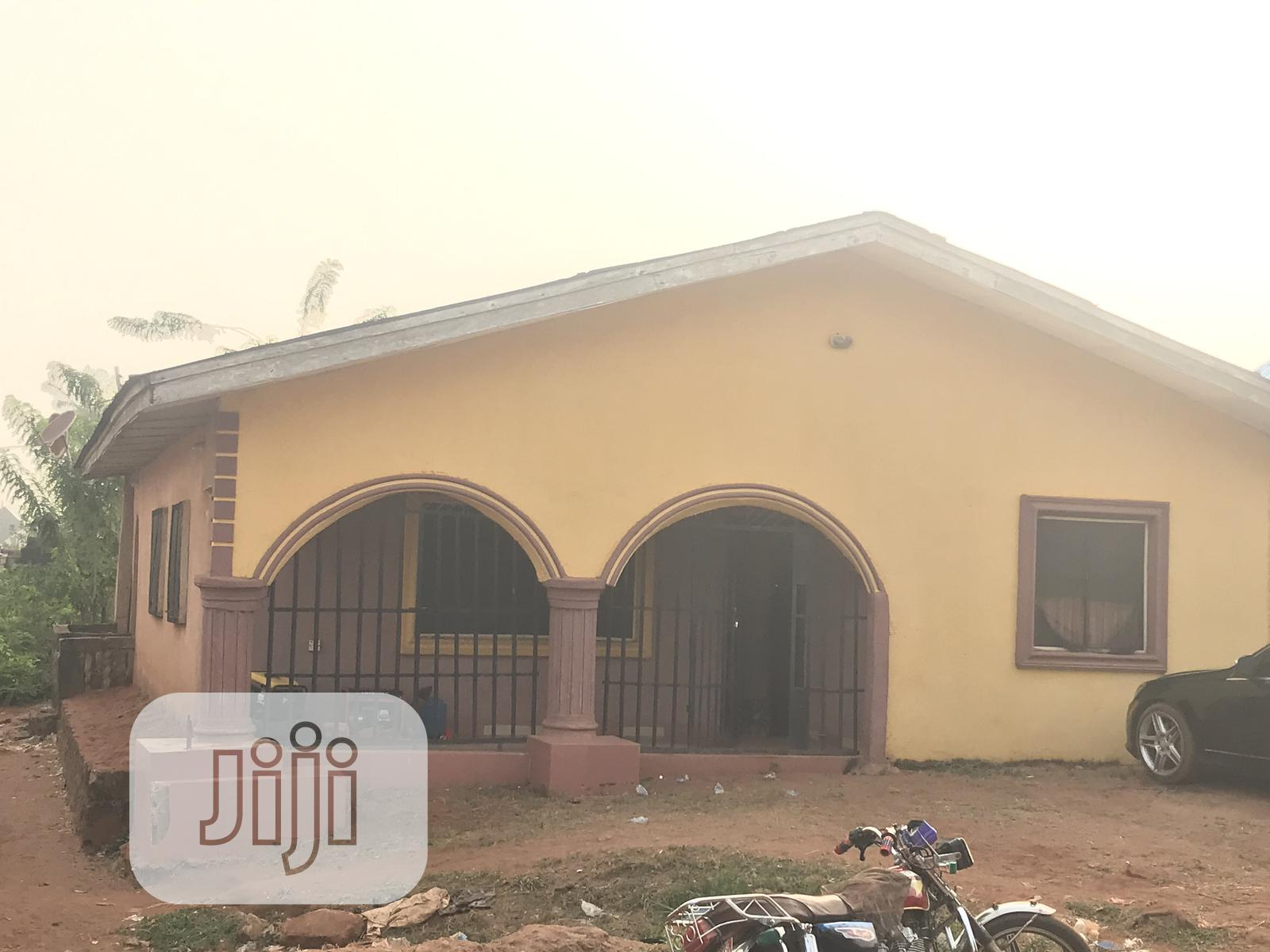 Land With House For Sale At Uwhalor Uromi