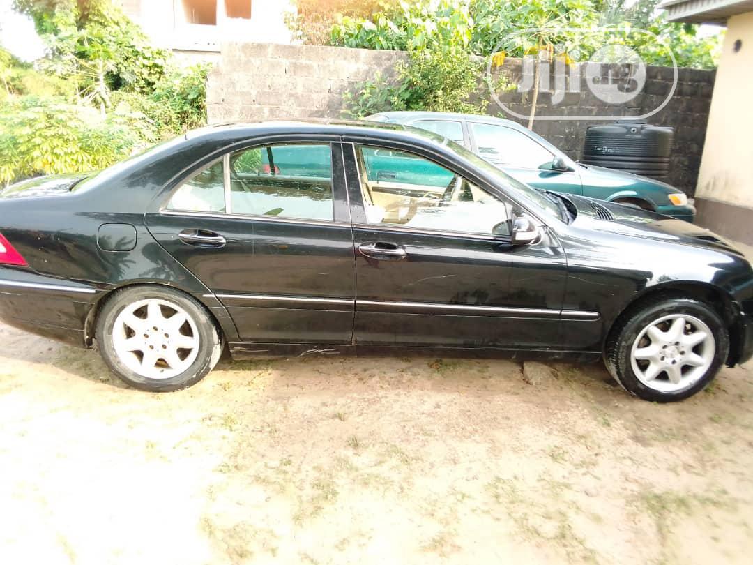 Mercedes-Benz C240 2004 Black | Cars for sale in Ibeju, Lagos State, Nigeria