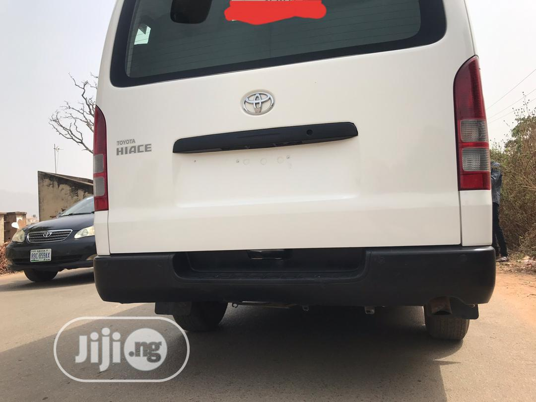 Toyota Harrier 2010 White | Buses & Microbuses for sale in Gwarinpa, Abuja (FCT) State, Nigeria