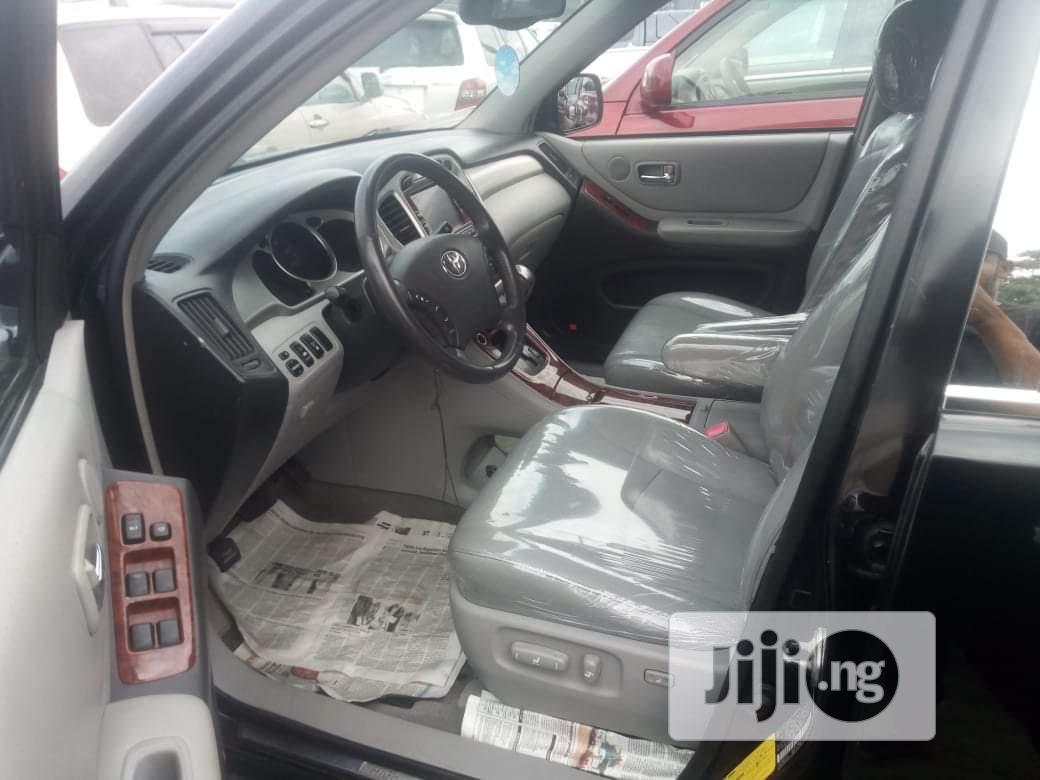 Archive: Toyota Highlander 2006 Limited V6 4x4 Black