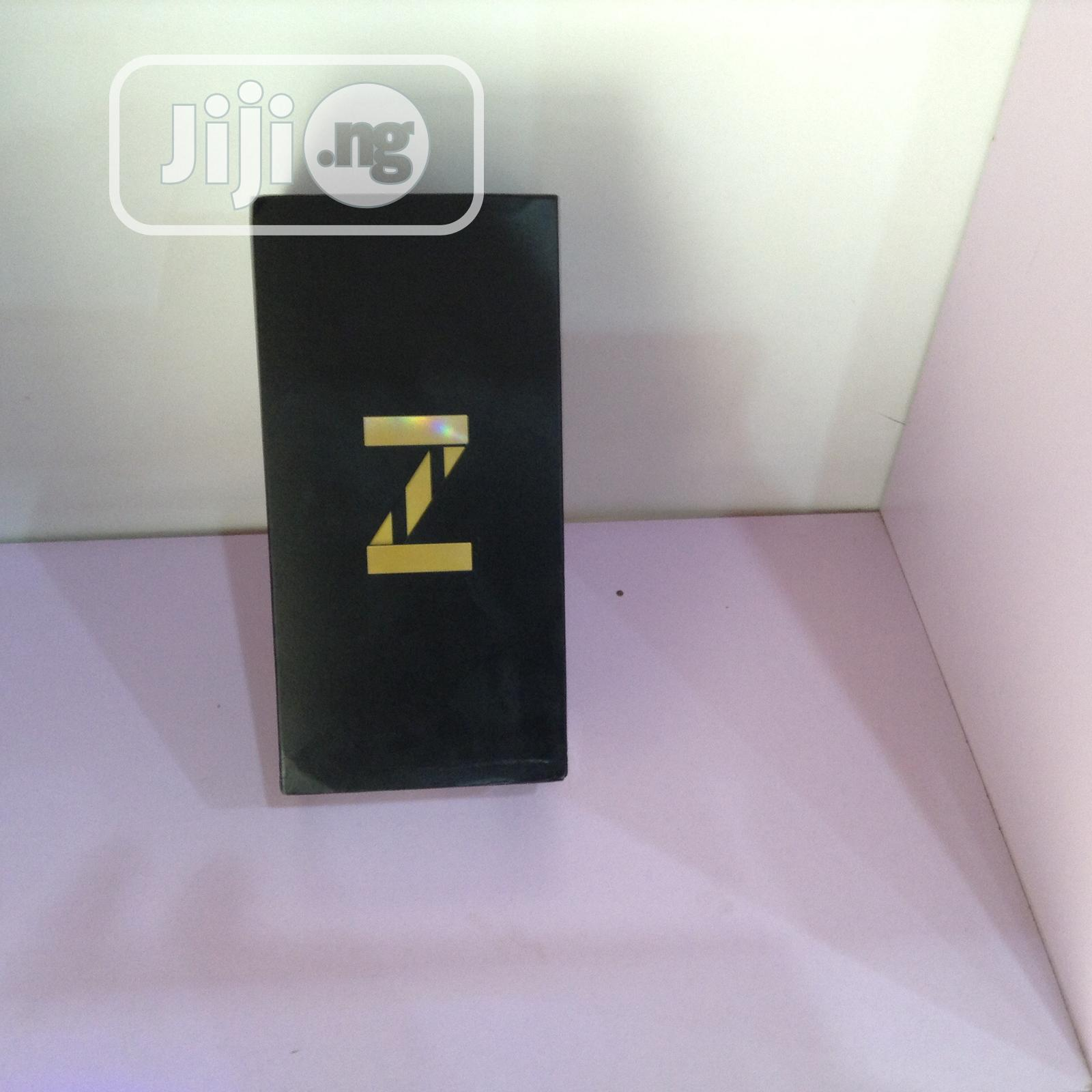 New Samsung Galaxy Z Flip 256 GB Gold | Mobile Phones for sale in Wuse 2, Abuja (FCT) State, Nigeria