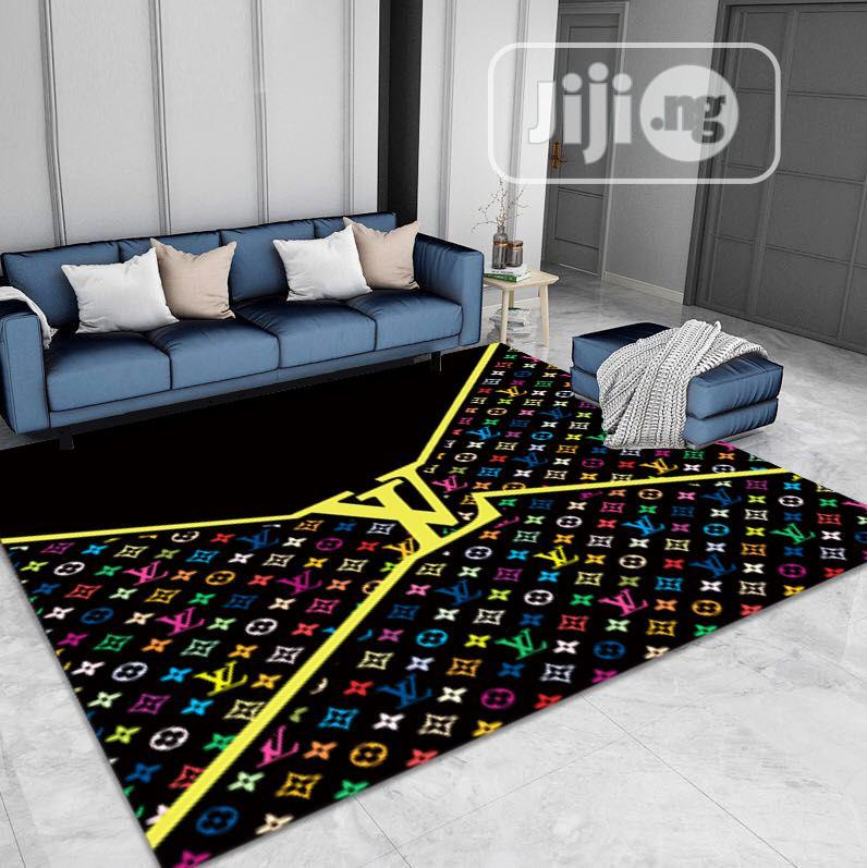 Classic Center Rug for Home Beautification