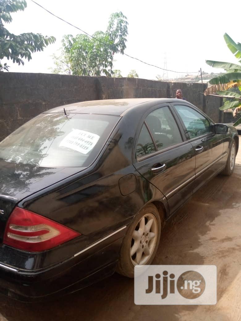Mercedes-Benz C320 2005 Black | Cars for sale in Obafemi-Owode, Ogun State, Nigeria