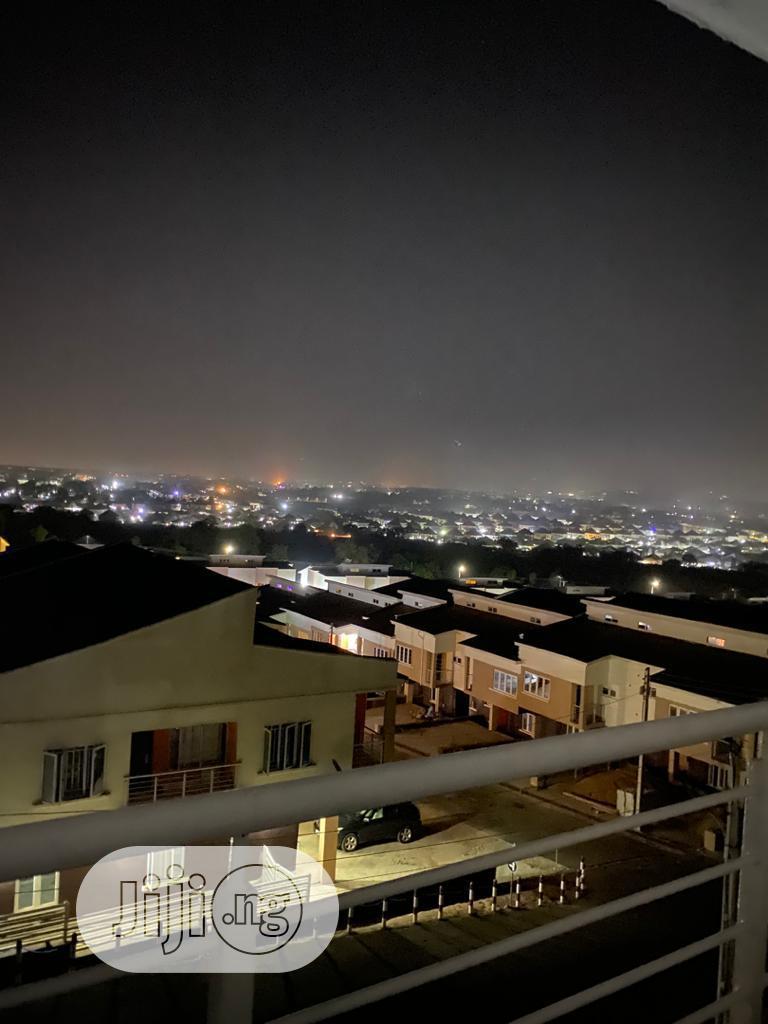 Archive: Luxury 3 Bedroom + BQ Terrace Duplex