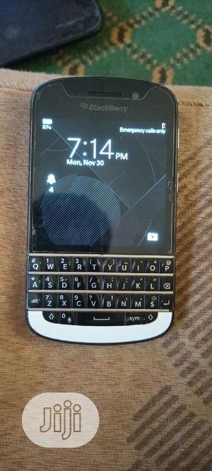 BlackBerry Q10 16 GB White | Mobile Phones for sale in Abuja (FCT) State, Karu