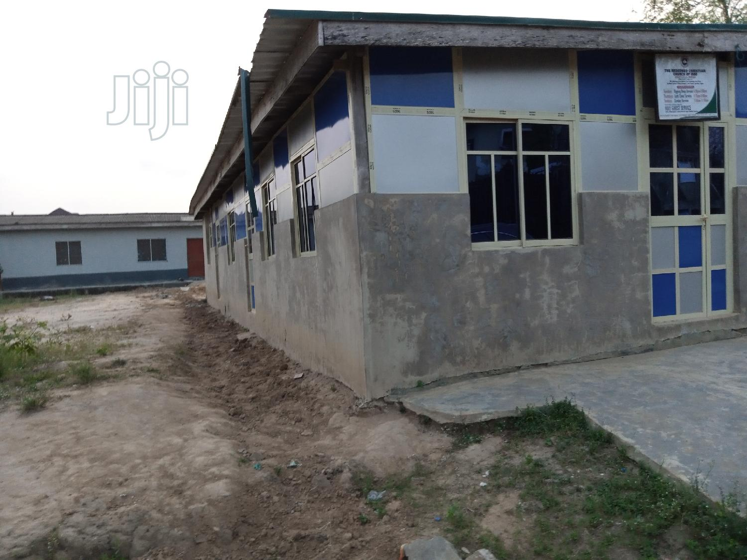 Half Plot of Land With for Sale With 3bedroom Flat for Sale. | Land & Plots For Sale for sale in Igando / Ikotun/Igando, Ikotun/Igando, Nigeria
