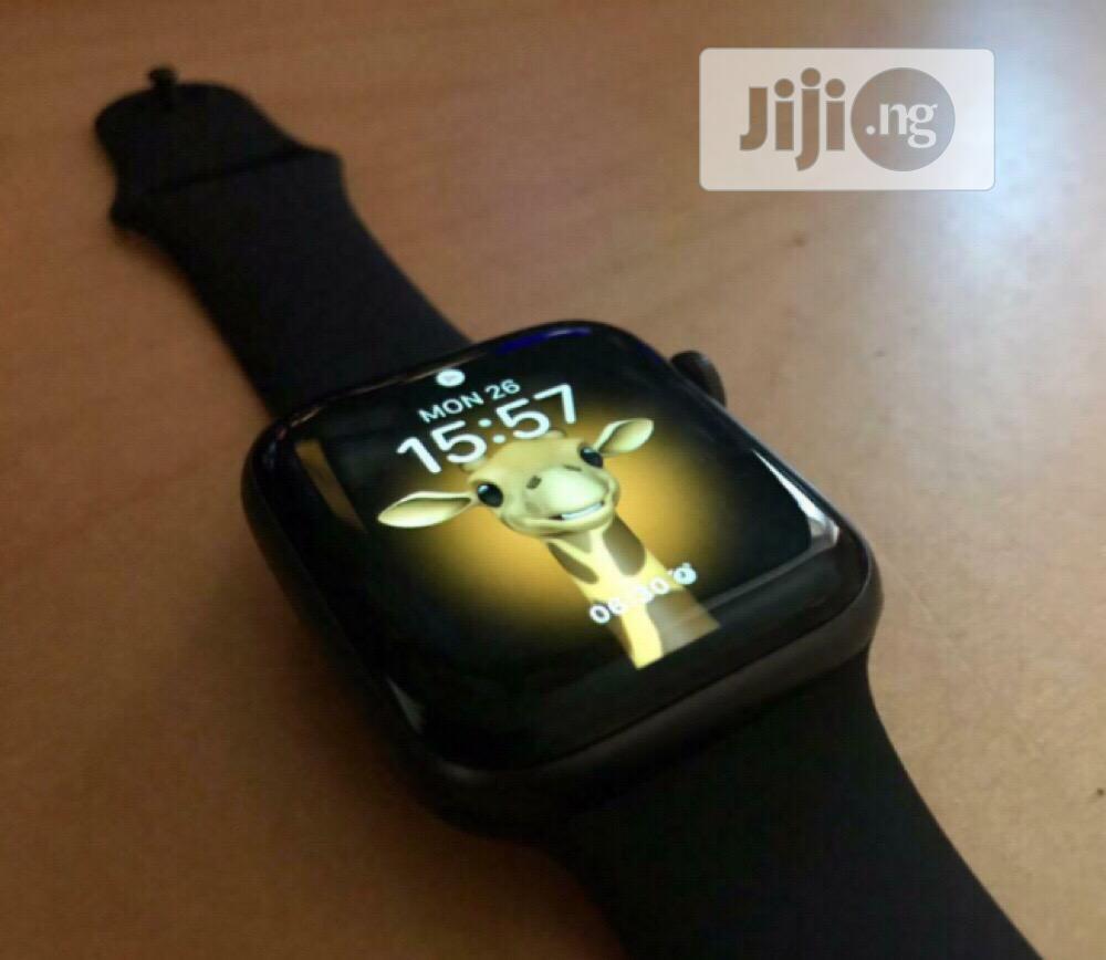 Apple Watch Series SE 44mm GPS