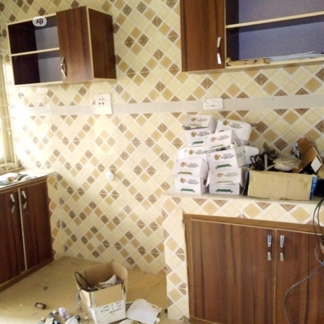Neat 2 Bedroom Flat For Rent