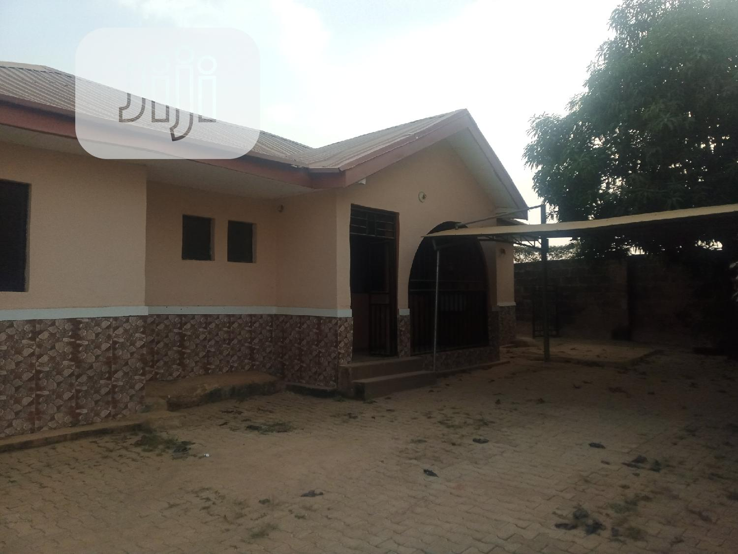 4 Bedroom Bungalow for Rent at Wuye