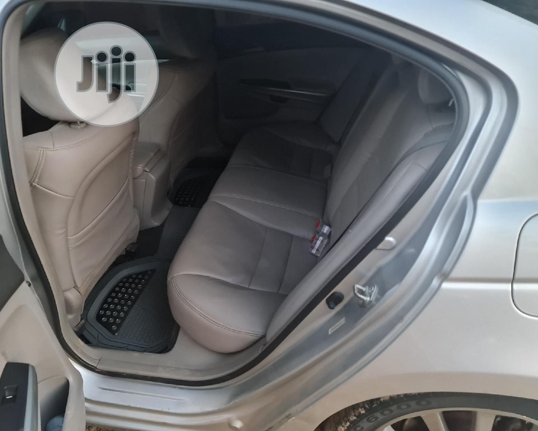Archive: Honda Accord 2009 2.4 EX Silver
