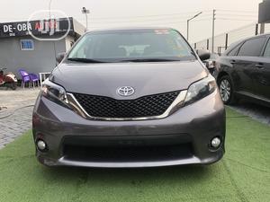 Toyota Sienna 2013 SE FWD 8-Passenger Gray | Cars for sale in Lagos State, Lekki