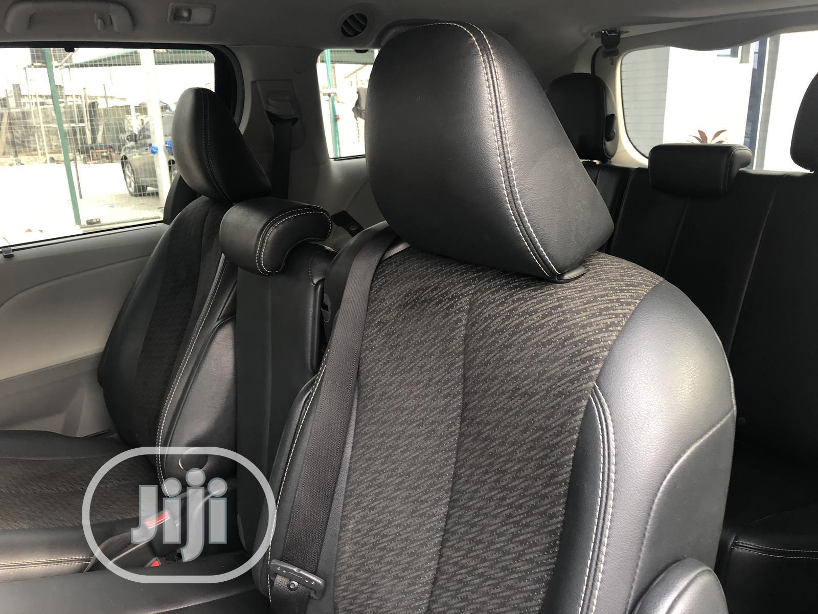 Toyota Sienna 2013 SE FWD 8-Passenger Gray | Cars for sale in Lekki, Lagos State, Nigeria