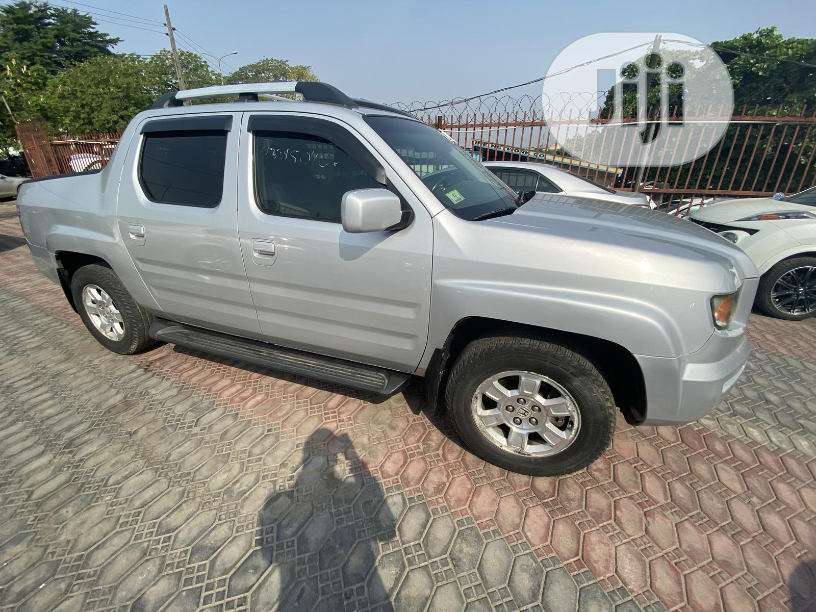 Honda Ridgeline 2008 Silver | Cars for sale in Amuwo-Odofin, Lagos State, Nigeria