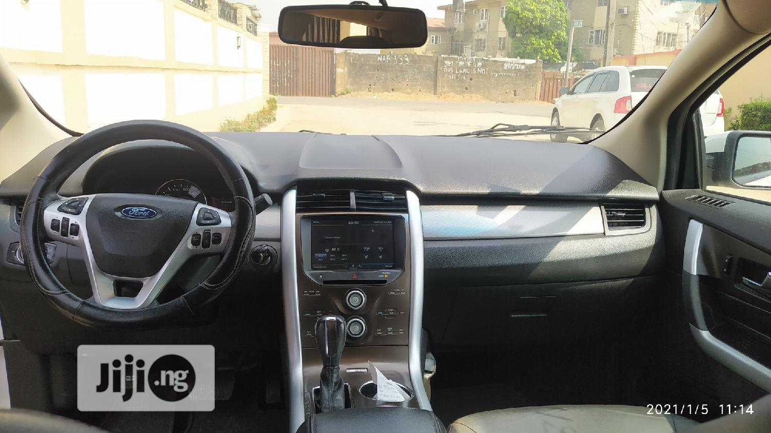 Archive: Ford Edge 2012 White