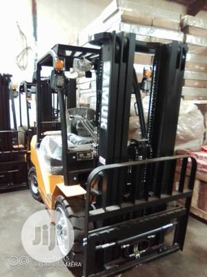 Brand New 3 Tons Forklift With Isuzu Engine   Heavy Equipment for sale in Lagos State, Oshodi