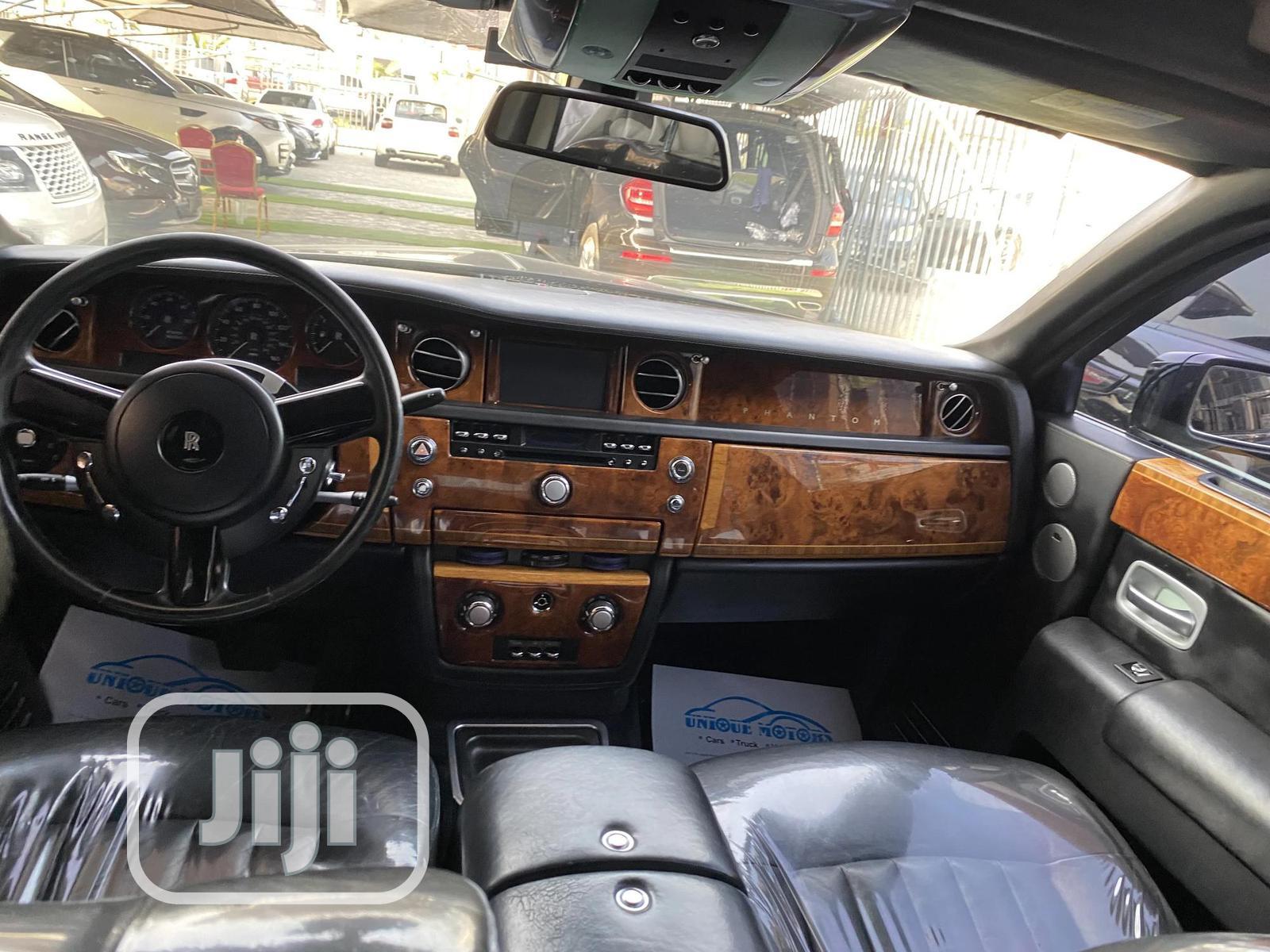 Archive: Rolls-Royce Phantom 2006 Black