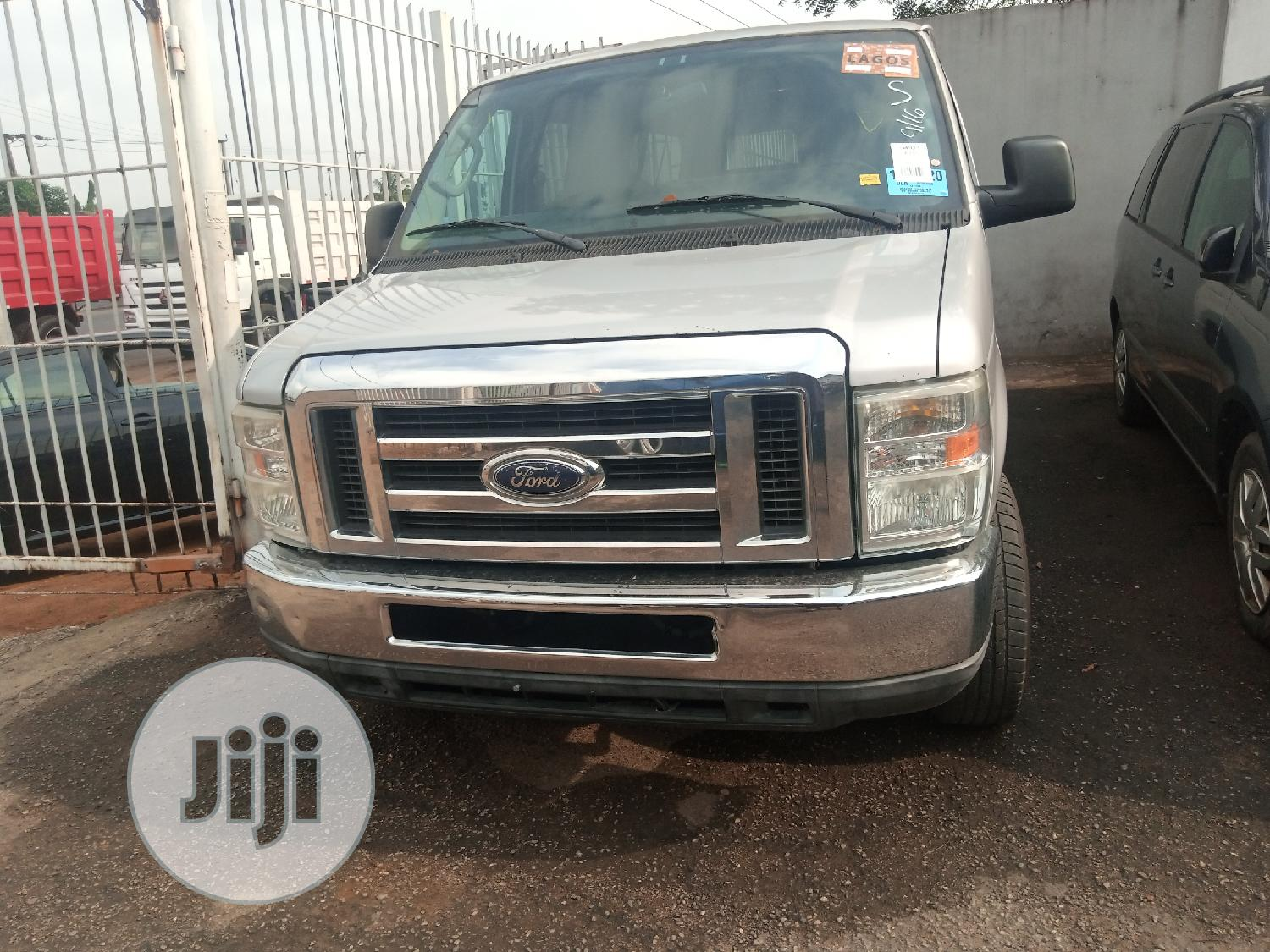 2010 Ford E350 Very Clean Accident Free Fabric Run And Drive