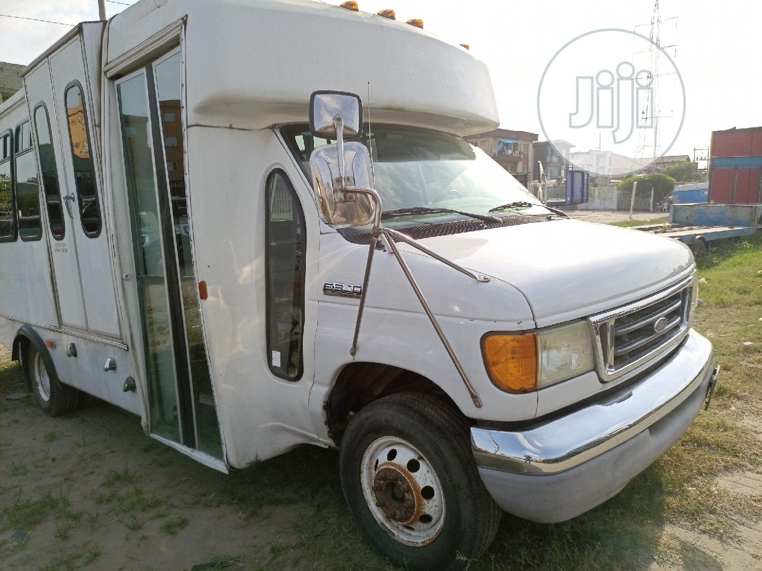 Foreign Used Ford E350 Super Duty Econoline, Petrol Engine   Buses & Microbuses for sale in Amuwo-Odofin, Lagos State, Nigeria