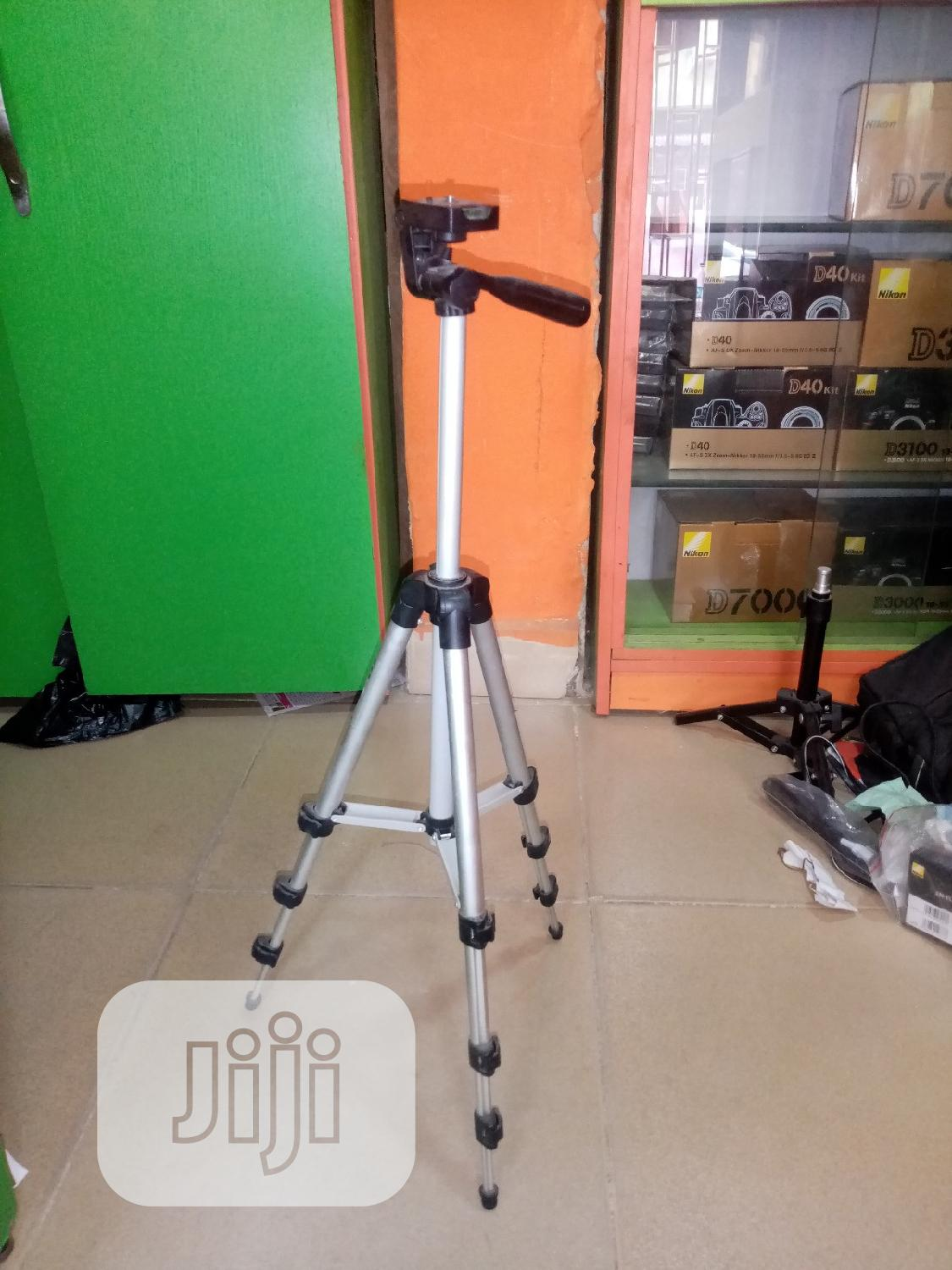 Small Stand For Phone And Camera