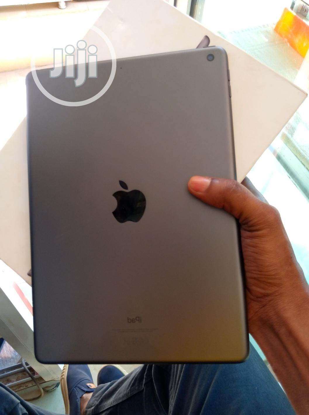 Apple iPad 10.2 (2020) Wi-Fi 32 GB Silver
