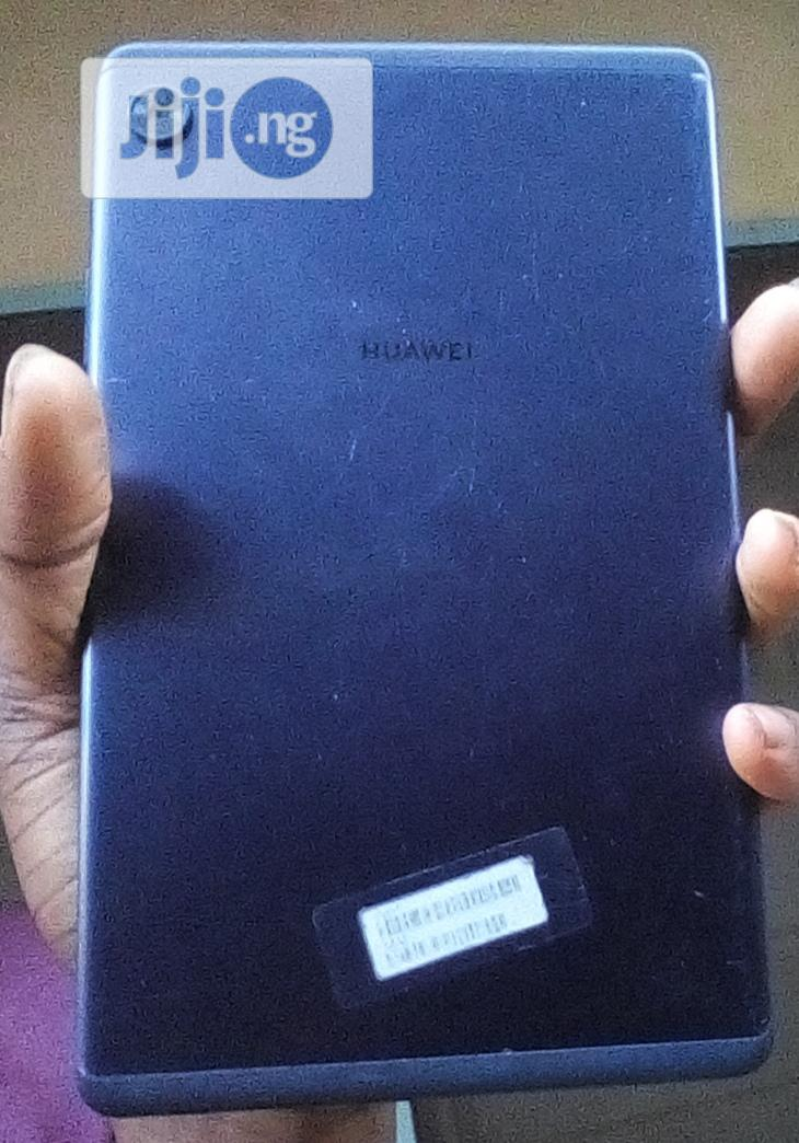 Archive: Huawei Mate 8 32 GB Blue