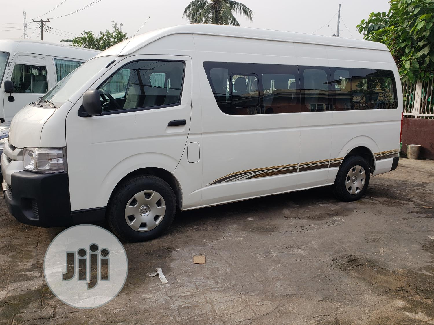 Toyota Hiace Bus High Roof Locally Used