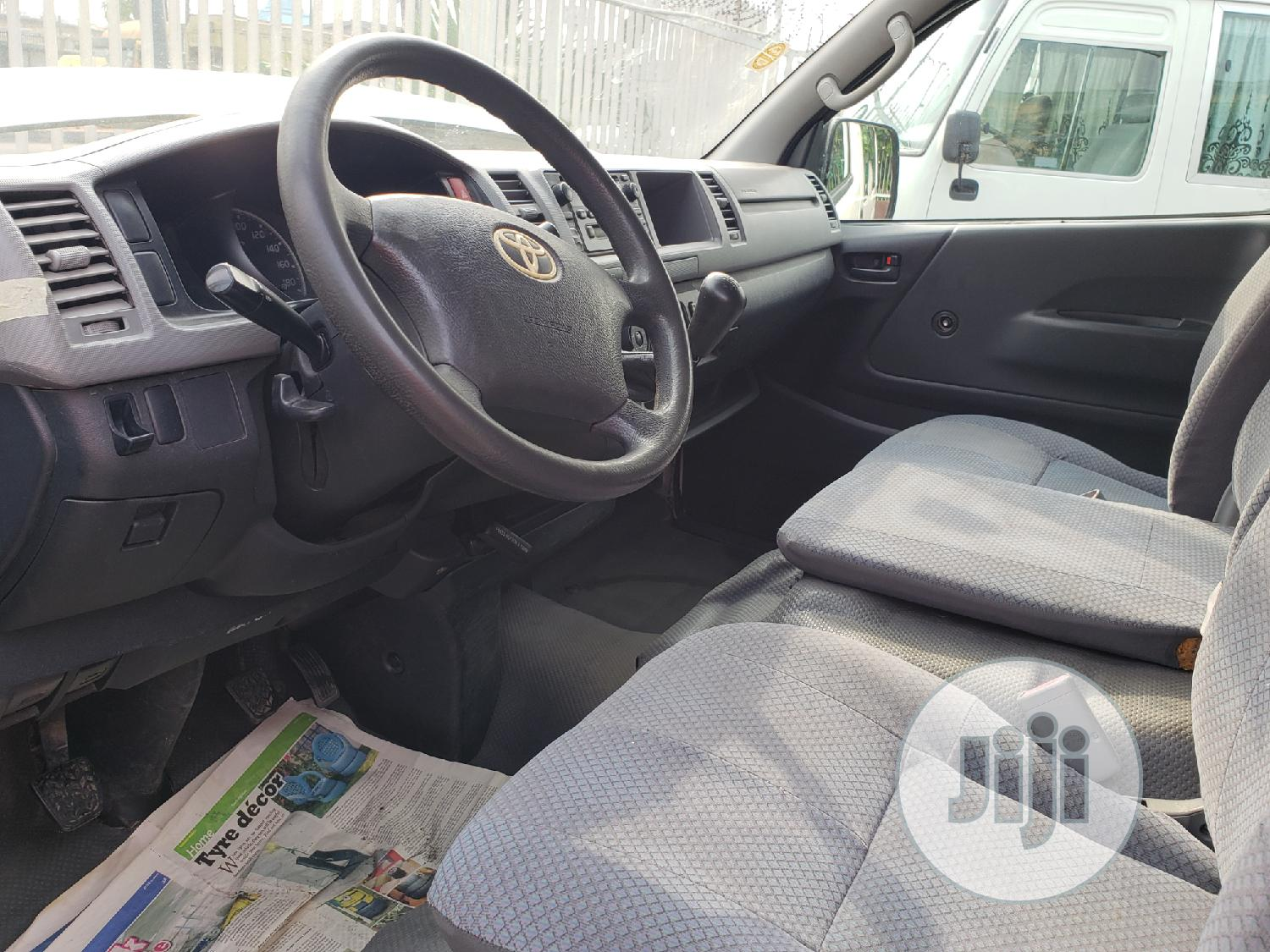 Toyota Hiace Bus High Roof Locally Used | Buses & Microbuses for sale in Surulere, Lagos State, Nigeria