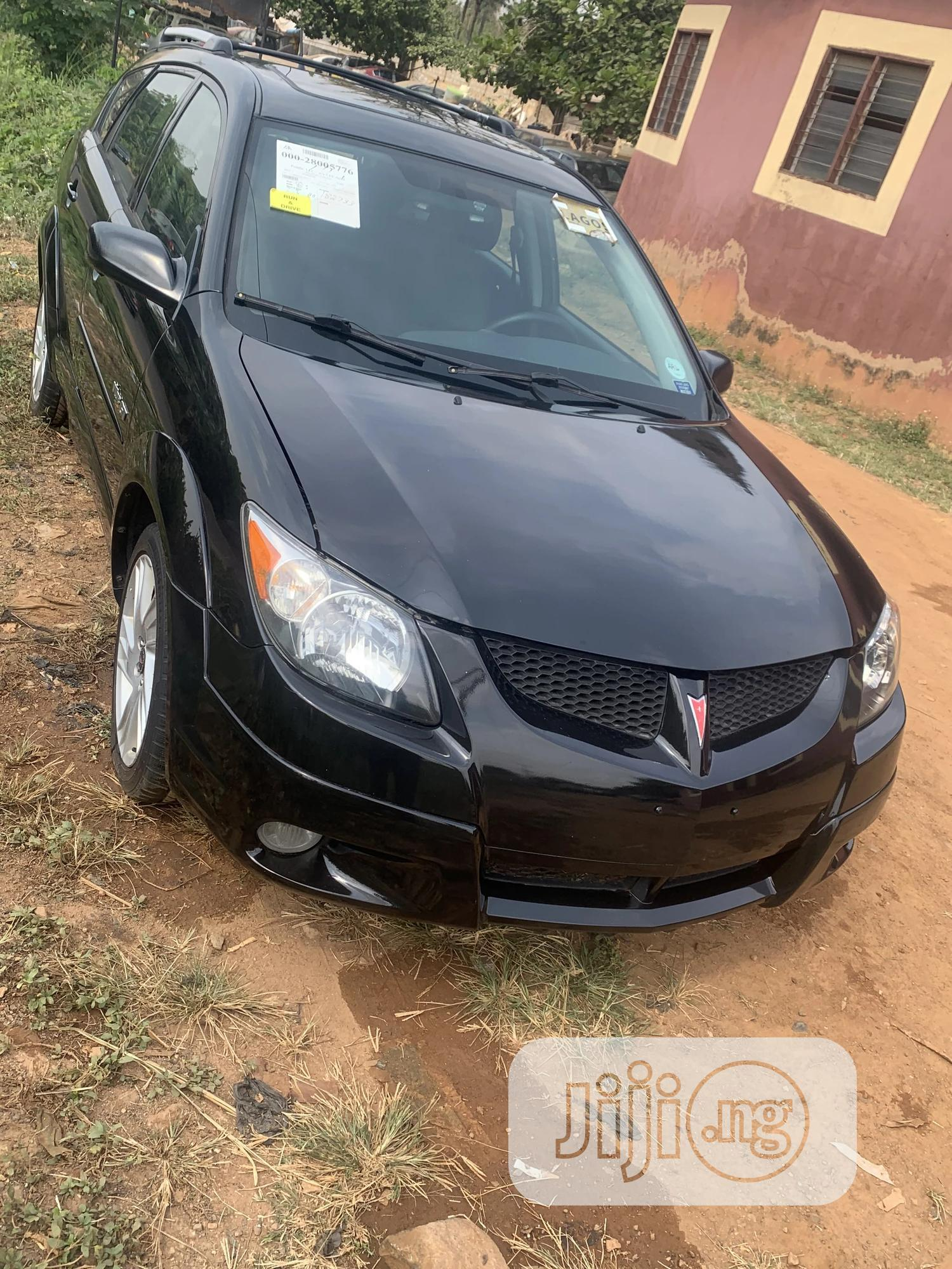 Pontiac Vibe 2003 Automatic Black | Cars for sale in Ibadan, Oyo State, Nigeria