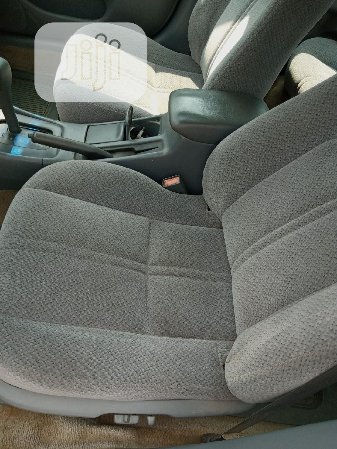 Toyota Camry 2001 Gold | Cars for sale in Amuwo-Odofin, Lagos State, Nigeria