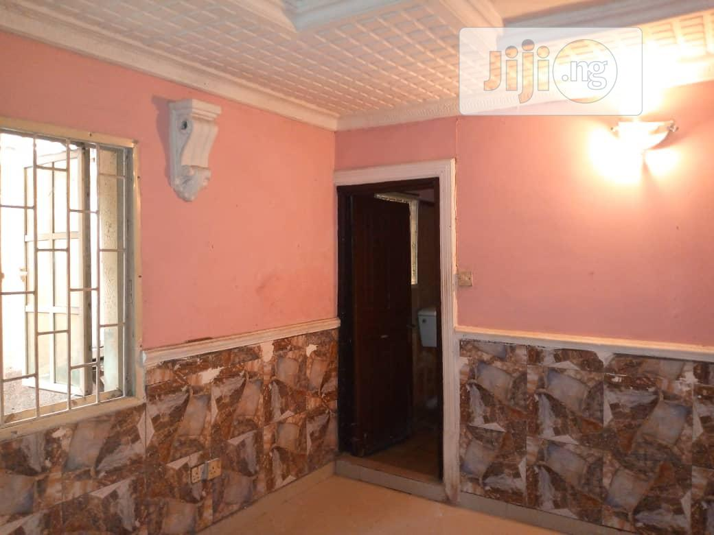 A Decent Mini Flat At Jibow Yaba | Houses & Apartments For Rent for sale in Yaba, Lagos State, Nigeria