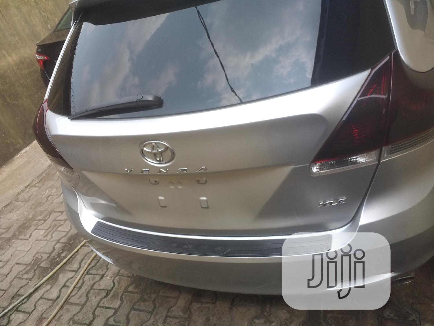 Toyota Venza 2013 XLE AWD V6 Silver | Cars for sale in Surulere, Lagos State, Nigeria