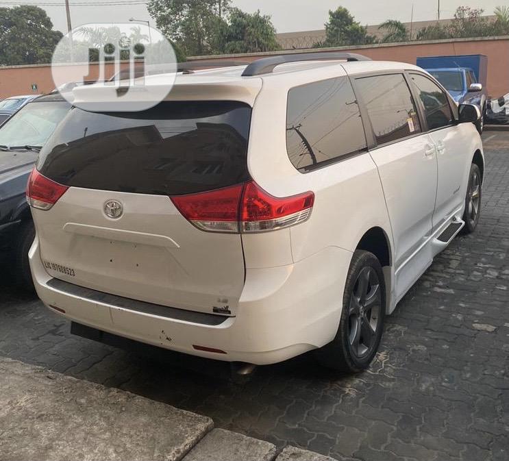 Toyota Sienna 2014 White