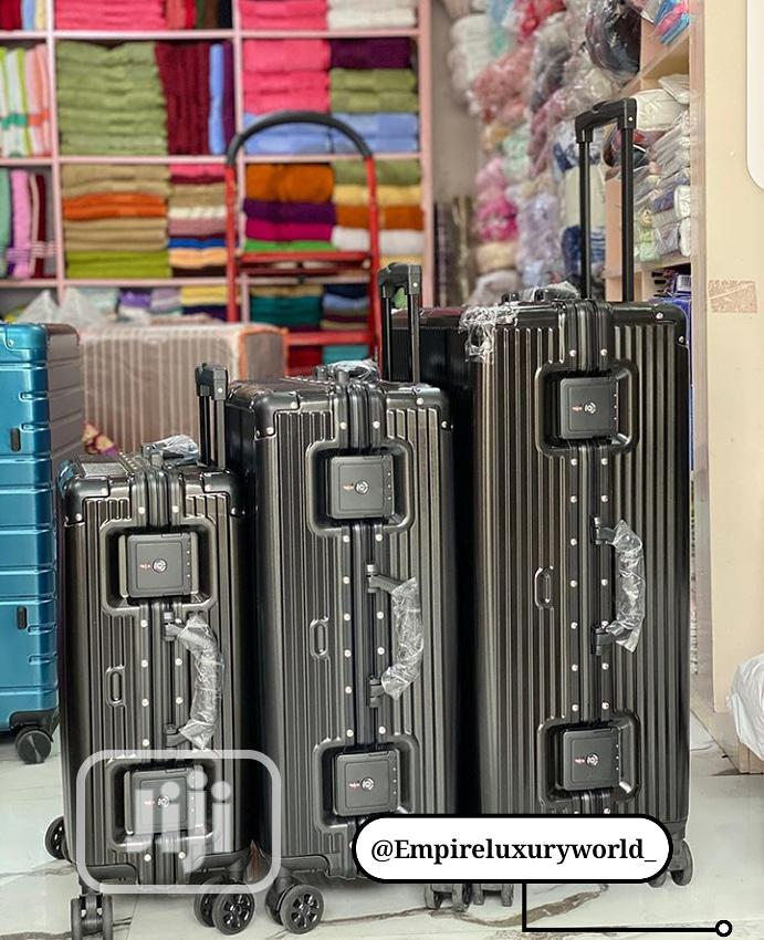 Pure Classic Quality Set Of 3 Lugggage