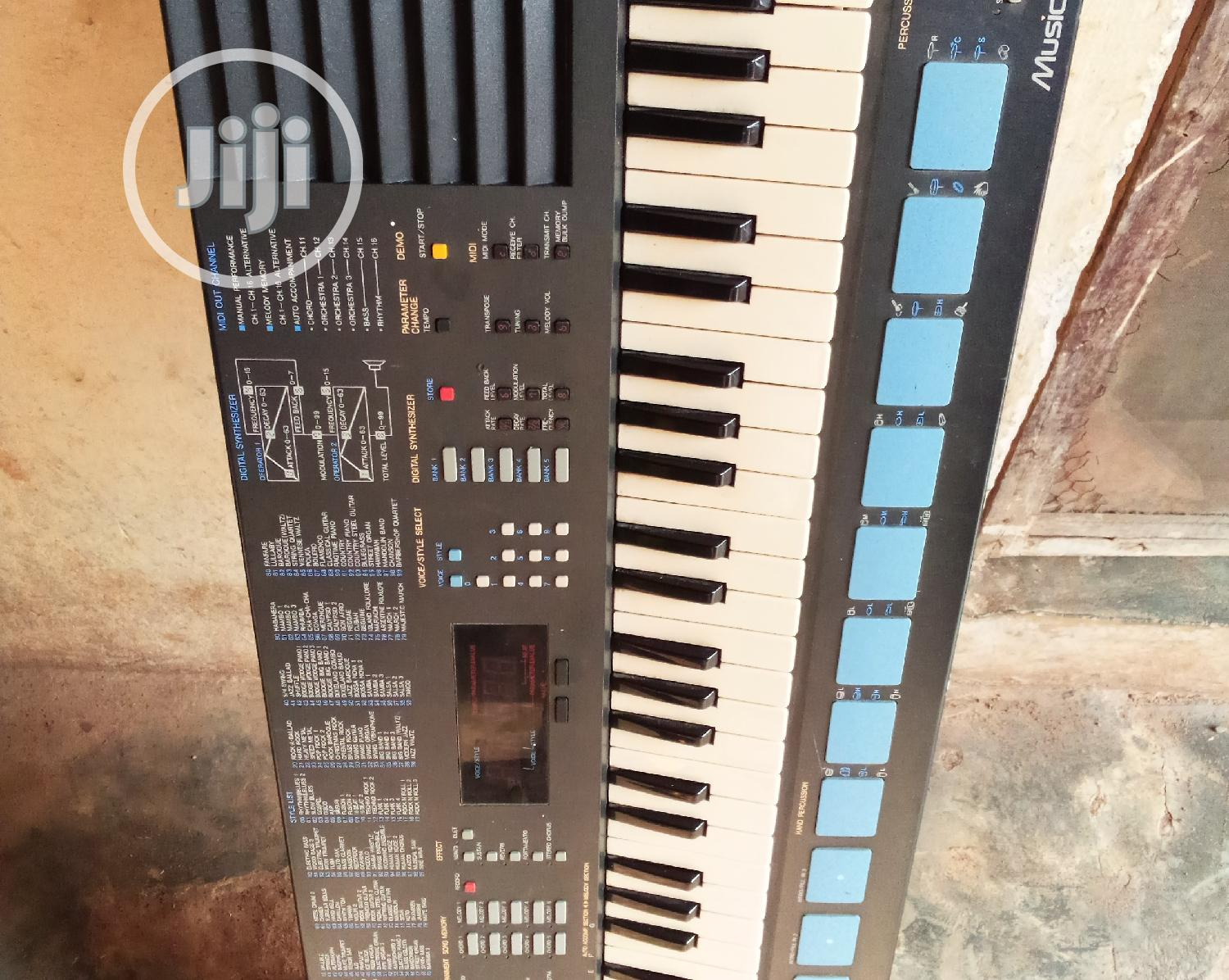 London Use Yamaha PSS 680 | Musical Instruments & Gear for sale in Alimosho, Lagos State, Nigeria