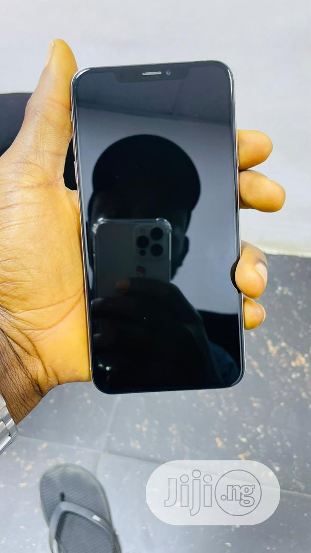 Apple iPhone 11 Pro Max 64 GB Black