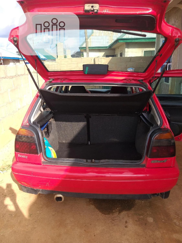 Archive: Volkswagen Golf 1999 2.0 Red