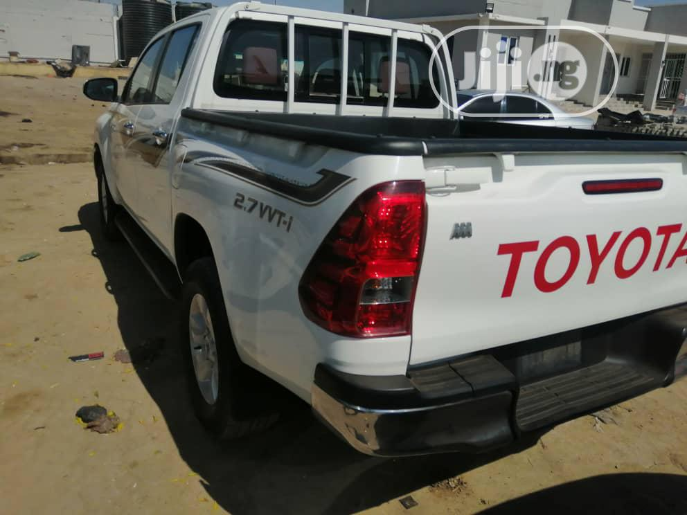 Toyota Hilux 2016 White | Cars for sale in Central Business Dis, Abuja (FCT) State, Nigeria