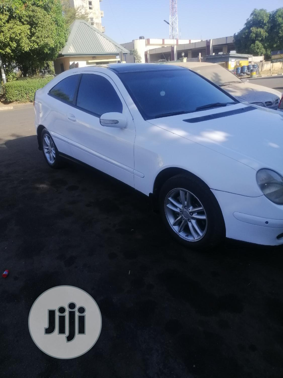 Mercedes-Benz C200 2005 White | Cars for sale in Garki 2, Abuja (FCT) State, Nigeria
