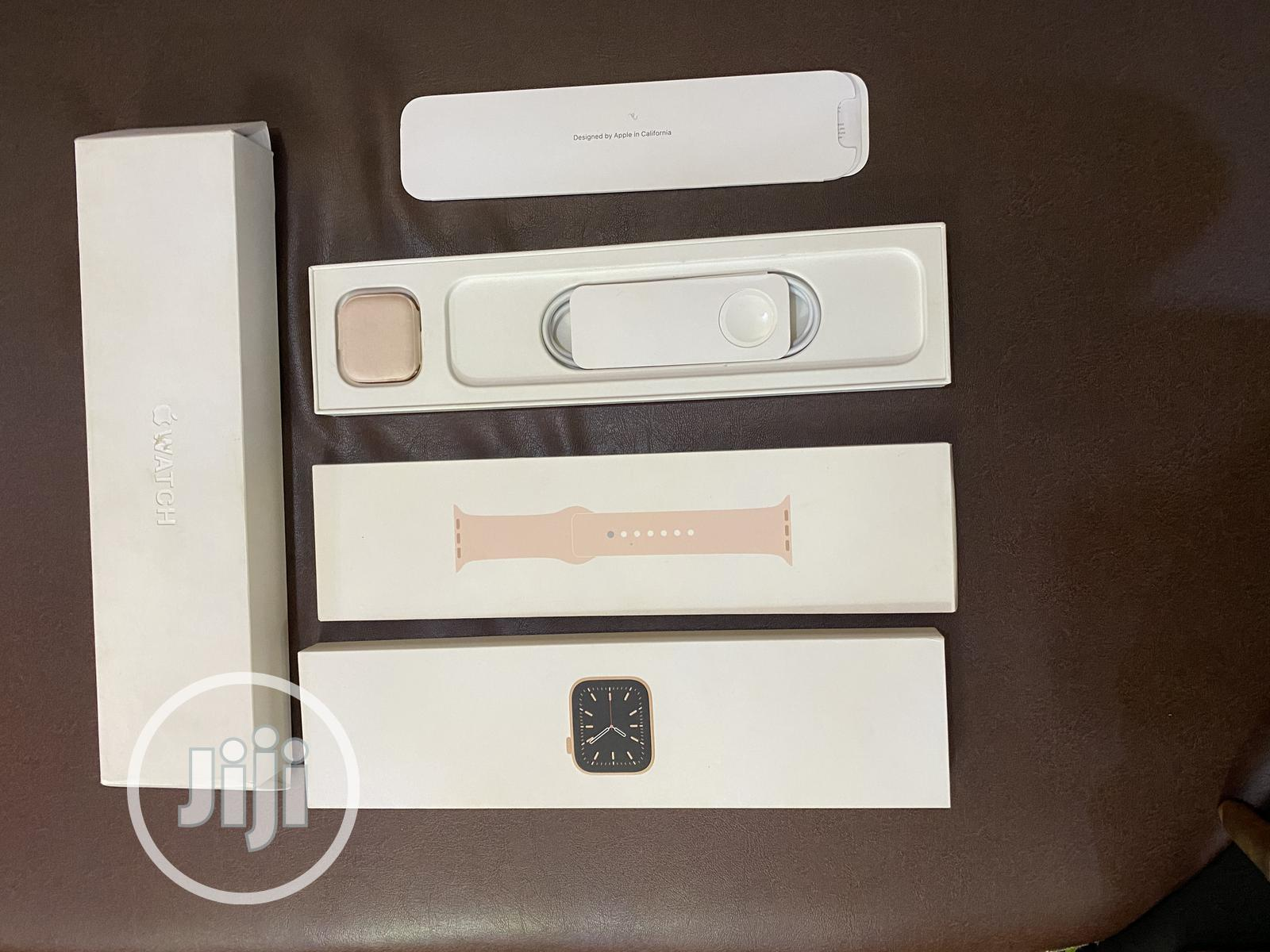 Archive: Brand New Apple Watch Series 6 40mm Gps+LTE Available