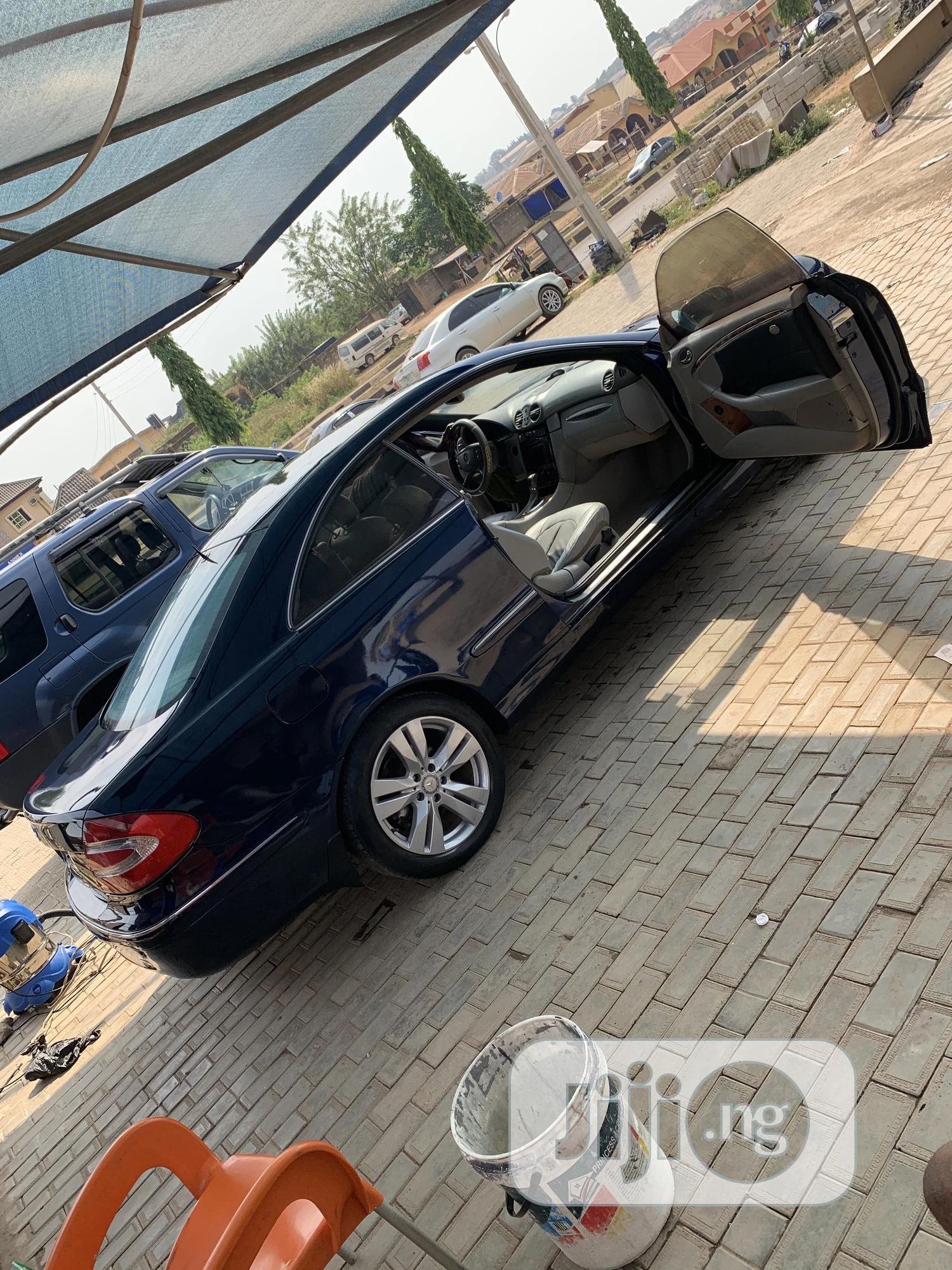 Archive: Mercedes-Benz CLK 2005 320 Coupe Blue