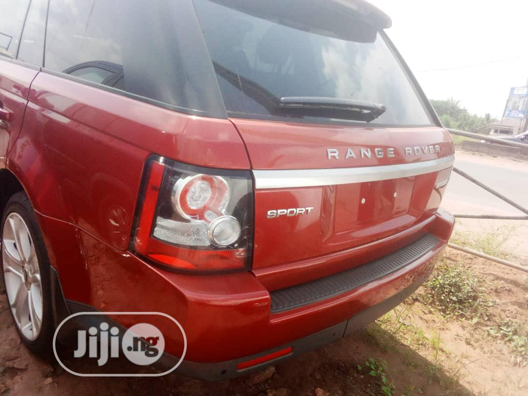 Archive: Land Rover Range Rover Sport 2014 Red