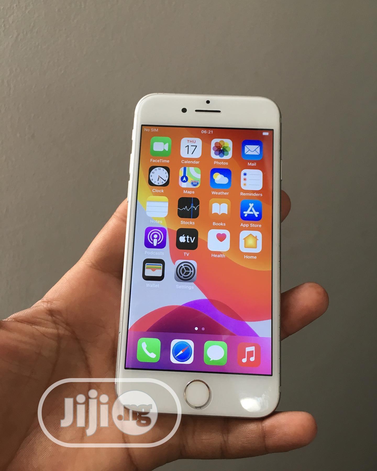 Apple iPhone 6 16 GB White