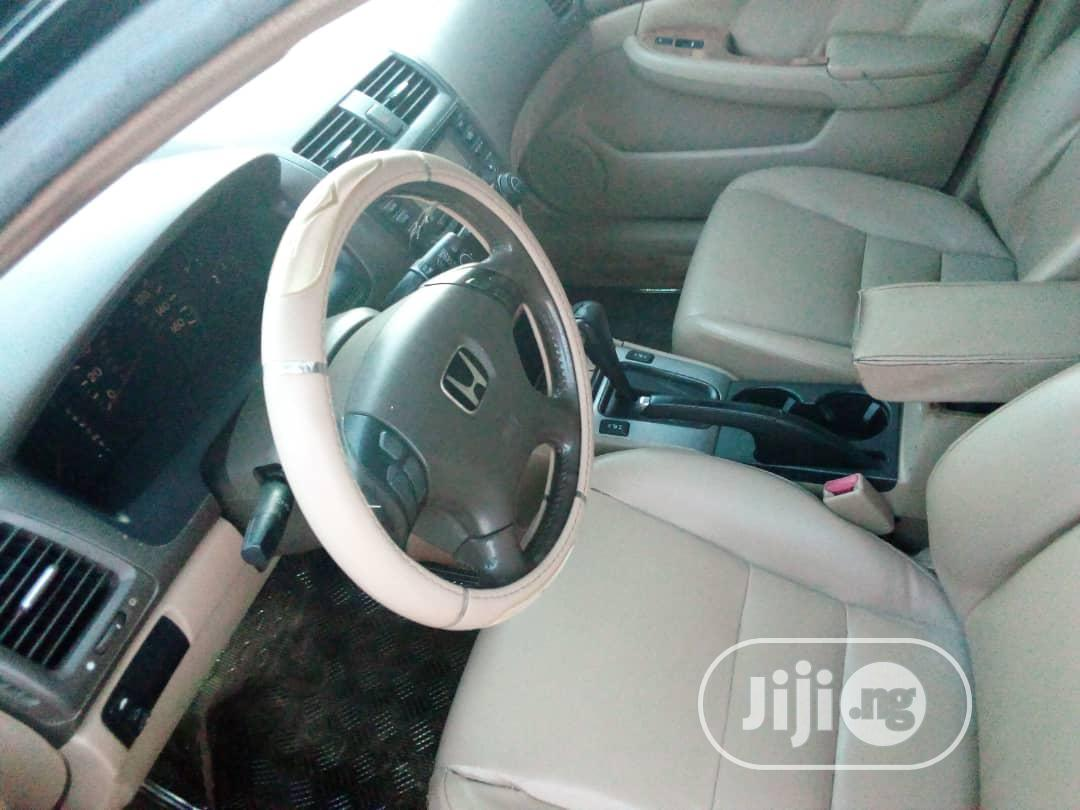Archive: Honda Accord 2005 2.0 Comfort Automatic Black