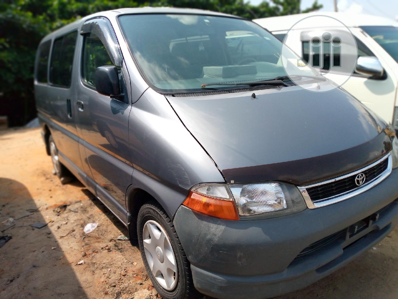 Toyota Hiace (Short Chasis)
