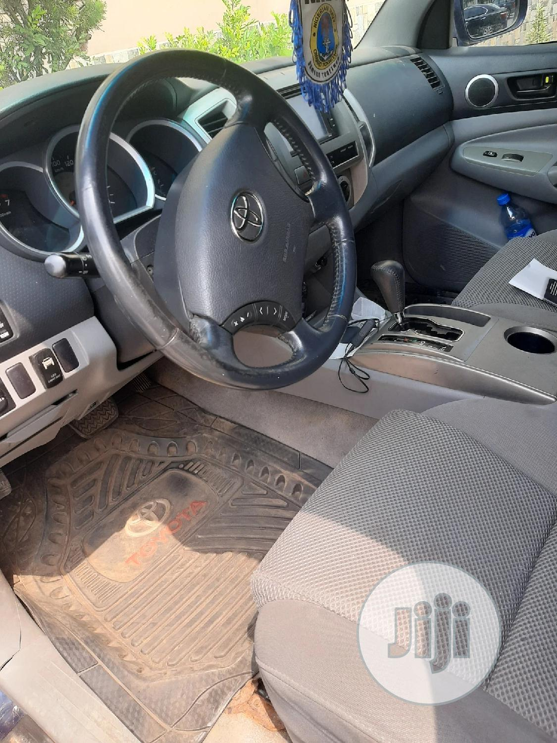 Toyota Tacoma 2006 Regular Cab Blue | Cars for sale in Isolo, Lagos State, Nigeria