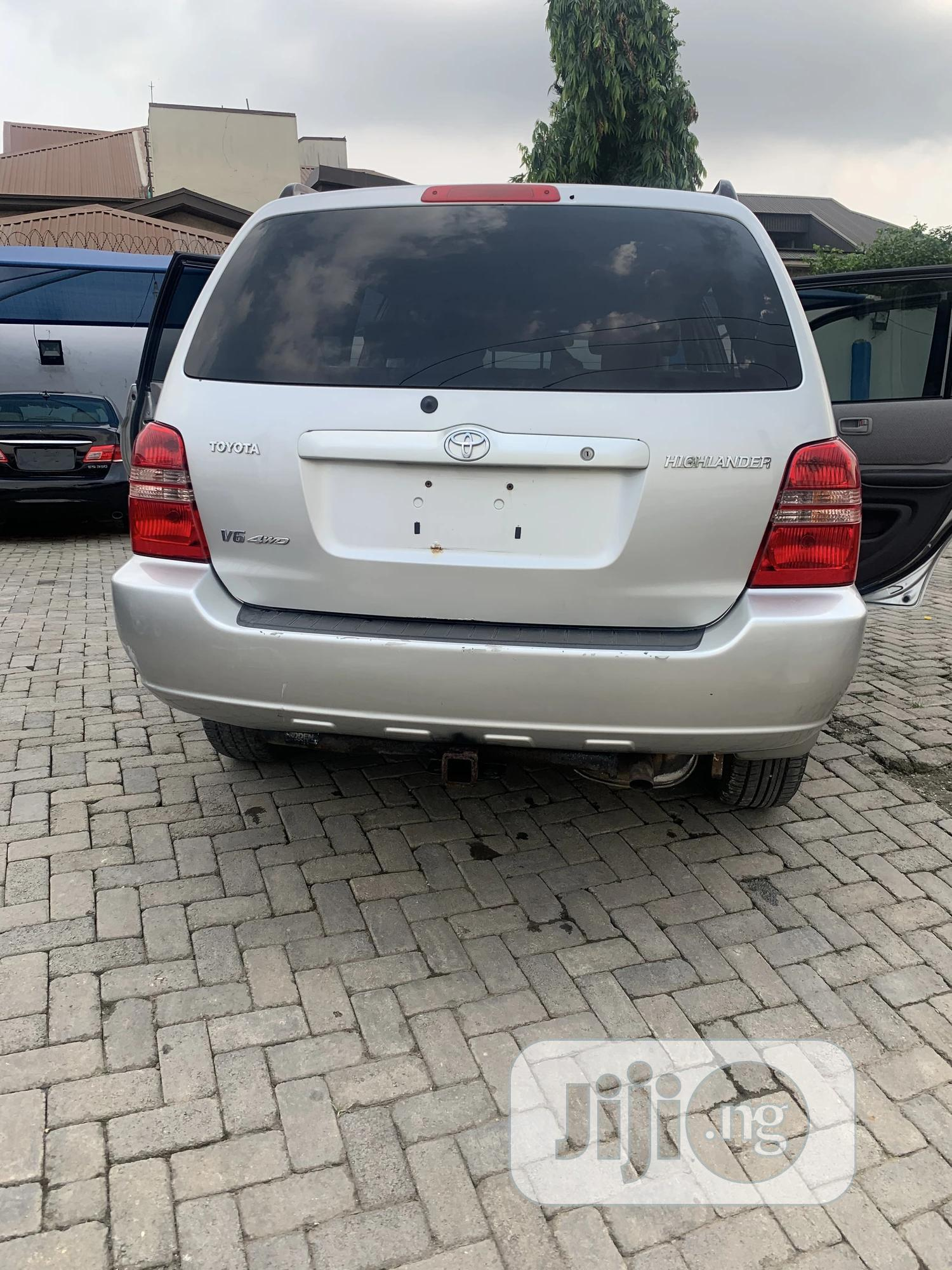 Toyota Highlander 2002 V6 AWD Silver | Cars for sale in Ikeja, Lagos State, Nigeria