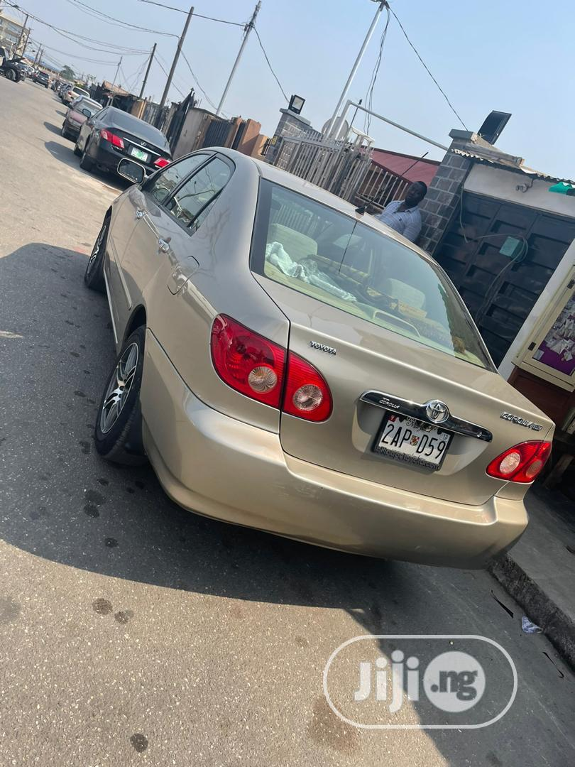 Archive: Toyota Corolla 2006 Gold
