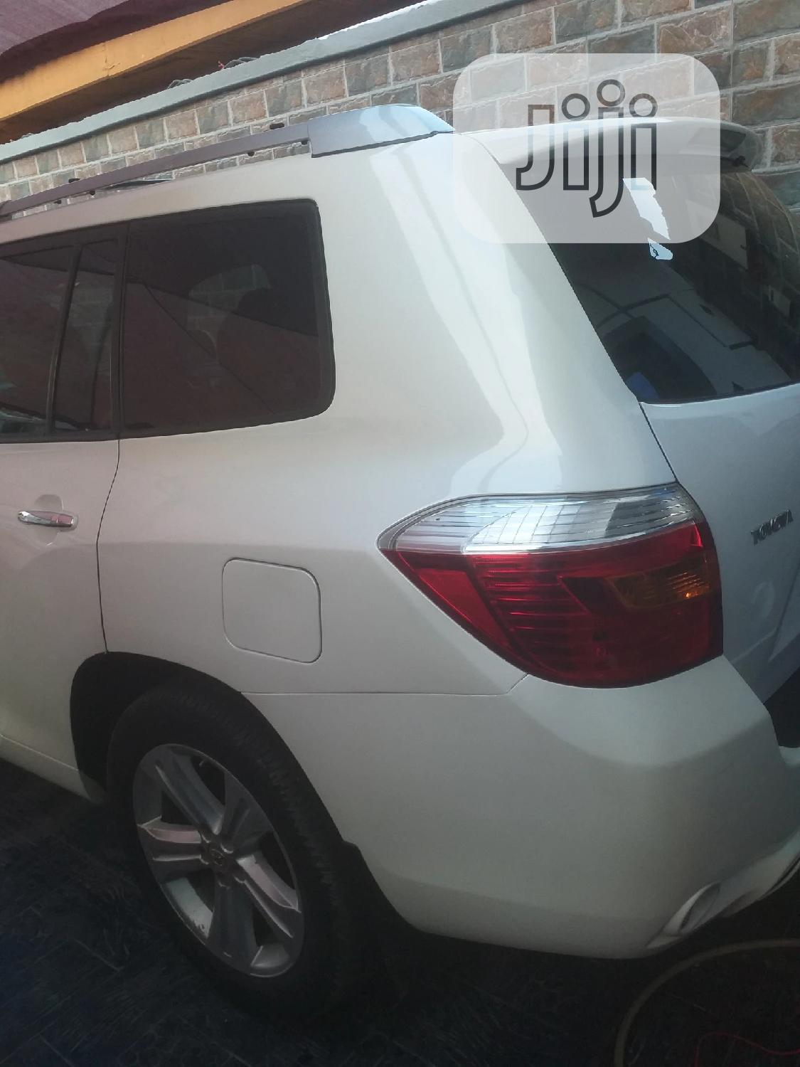 Toyota Highlander 2008 White   Cars for sale in Surulere, Lagos State, Nigeria